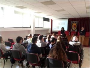 Imagen Los alumnos del ciclo formativo de Administracion y Finanzas del ...
